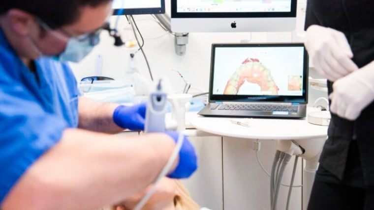 Protetica dentara: Amprentarea digitala versus amprentarea clasica